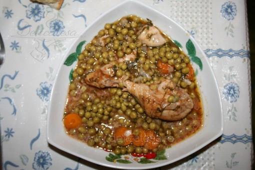 Mâncare de mazăre cu pulpe de pui
