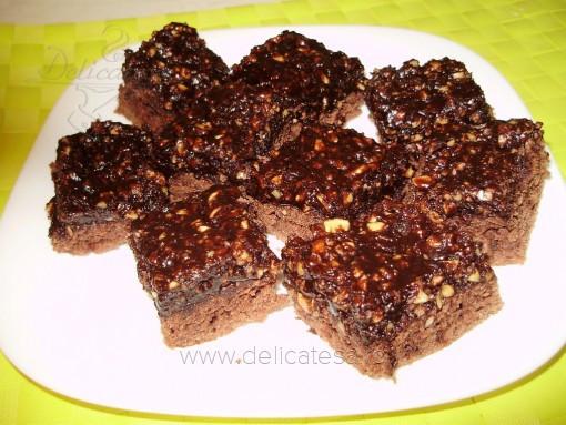 Prăjitură cu ciocolată şi alune