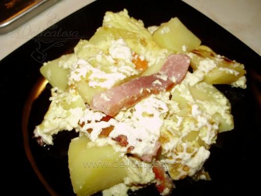 Budincă de cartofi cu ceafă afumată