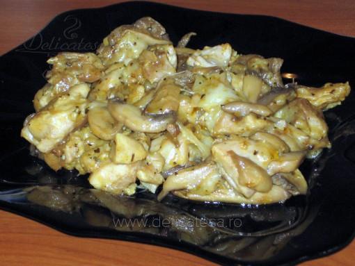 Pulpe de pui cu ciuperci şi caşcaval