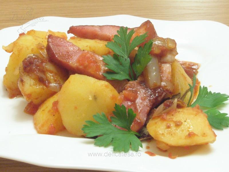 Cartofi ţărăneşti cu şunculiţă afumată
