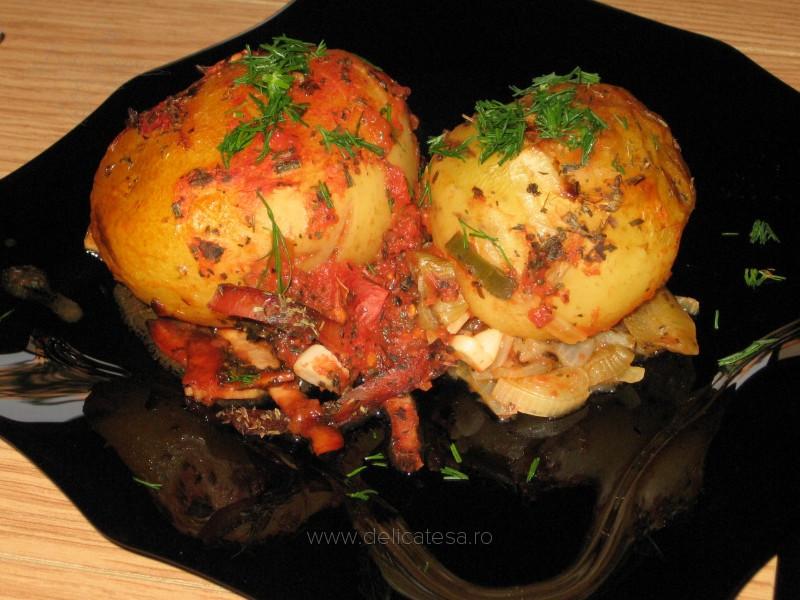 Cartofi copţi cu şuncă afumată