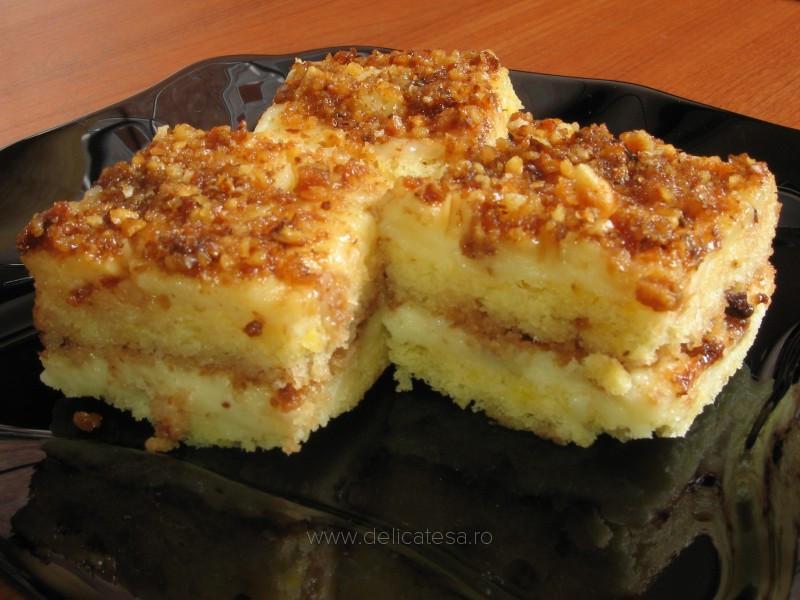 Prăjitură cu cremă de vanilie şi krantz