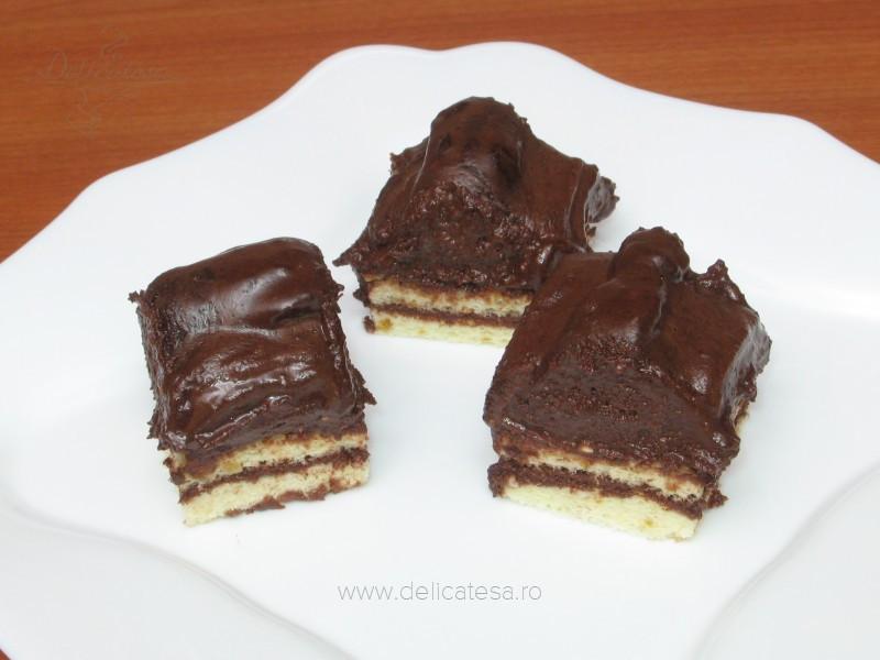 Piramide de ciocolată