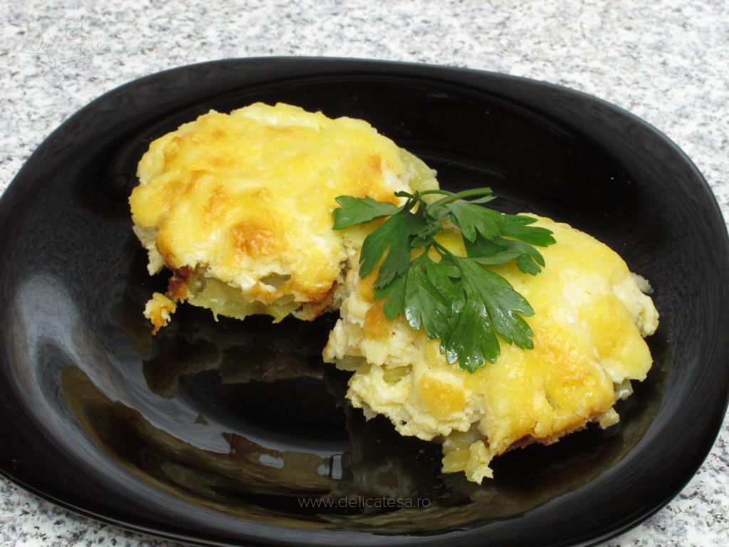 Felii de cartofi cu ou şi telemea