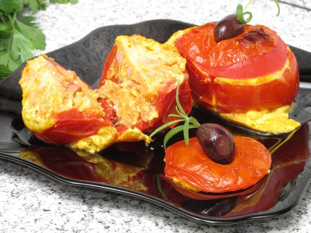 Roşii umplute cu omletă