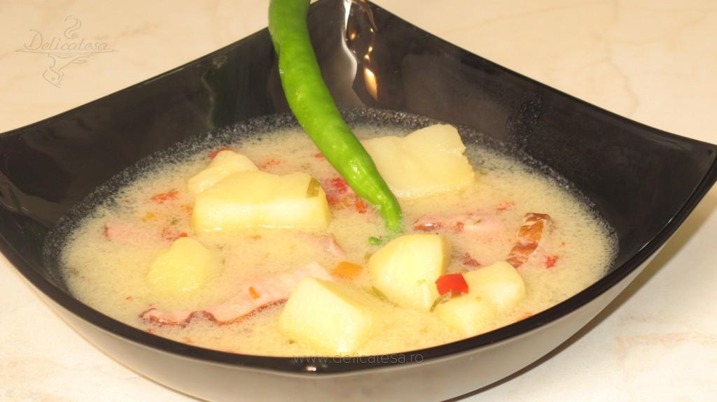 Ciorbă de cartofi cu afumătură şi tarhon