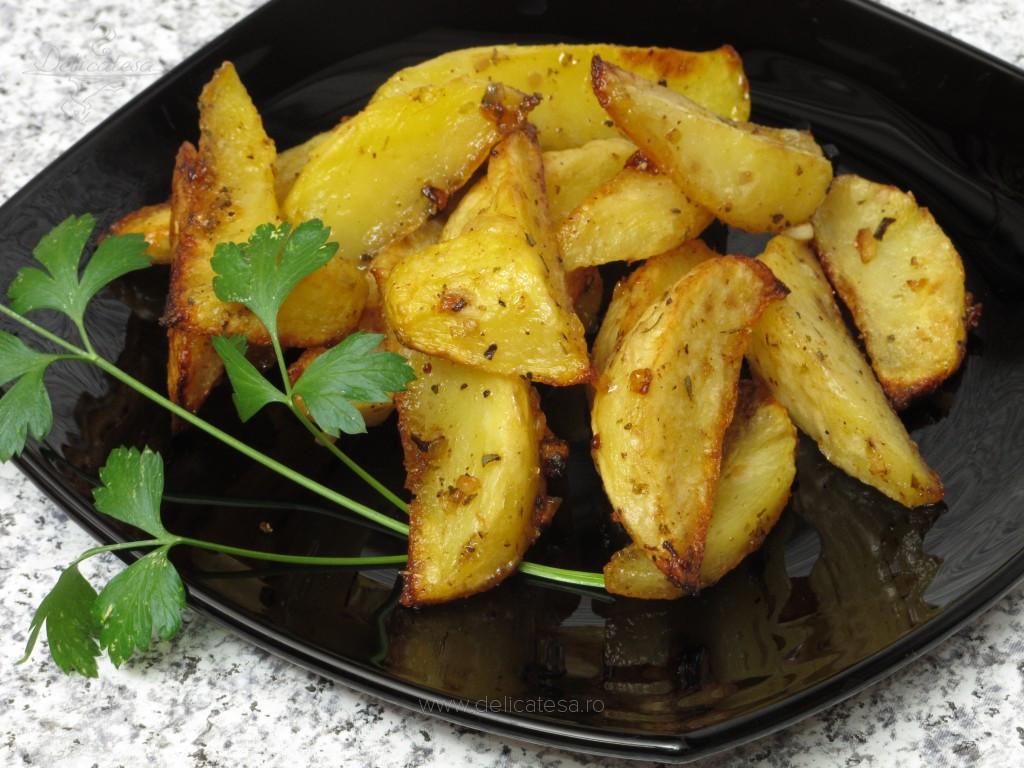 Cartofi cu ceapă la cuptor