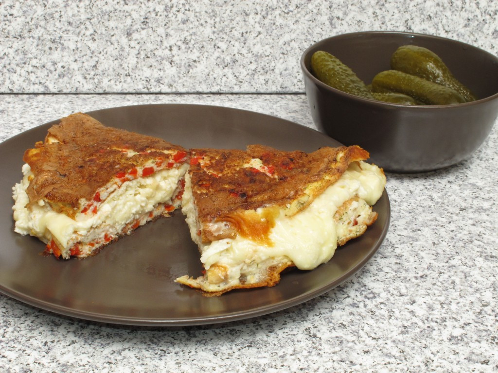Omletă din albuşuri cu brânză