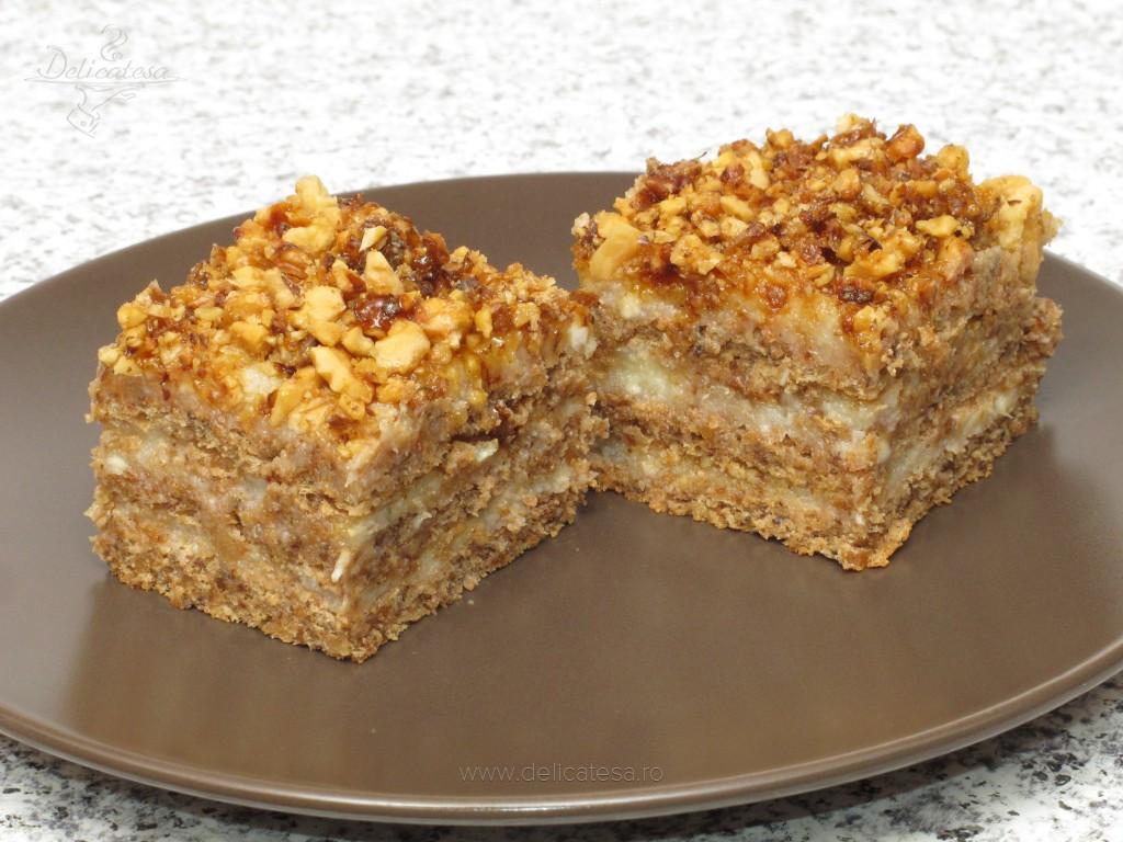 Prăjitură cu nuci caramelizate