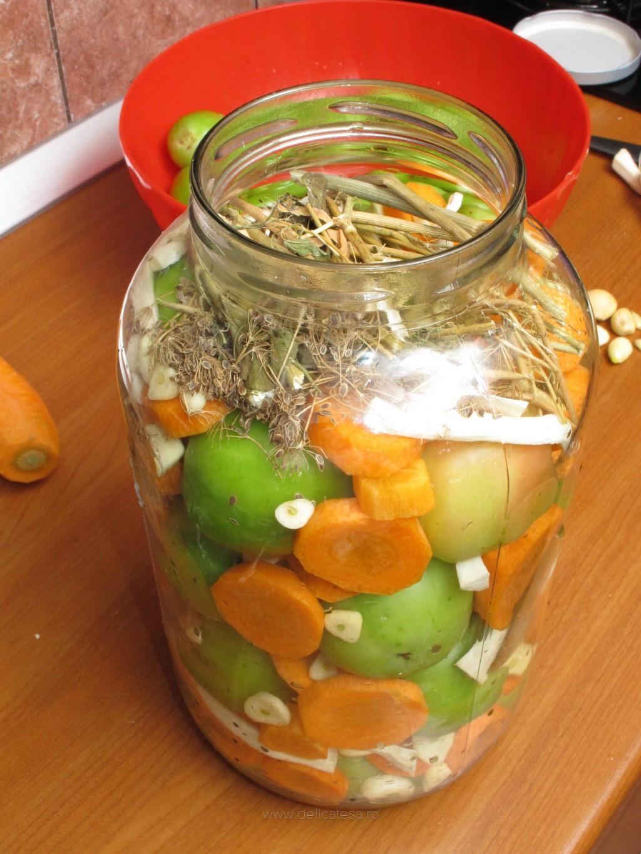 Маринованные зеленые помидоры с чесноком на зиму рецепты