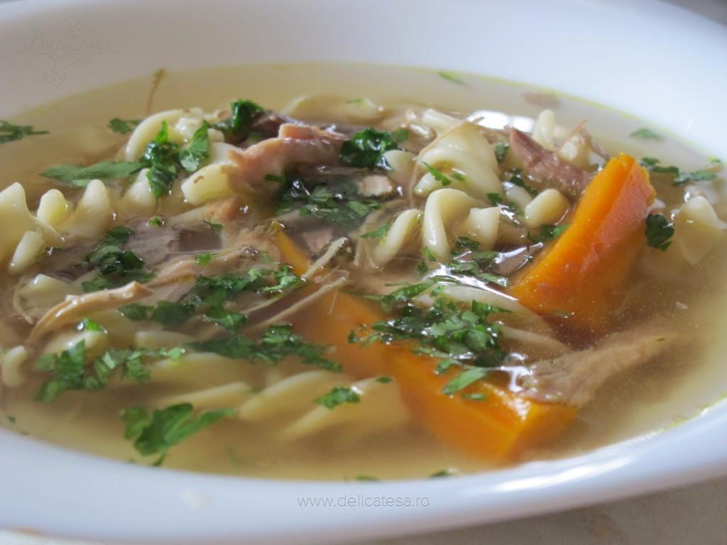 Supa de pui la slow cooker