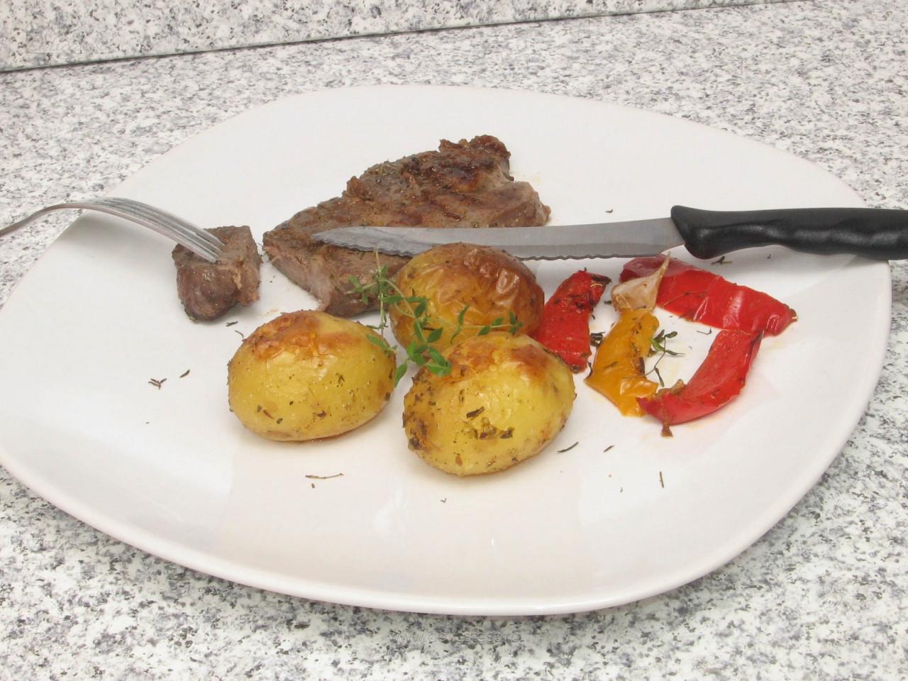 Ceafă de porc marinată la grătar