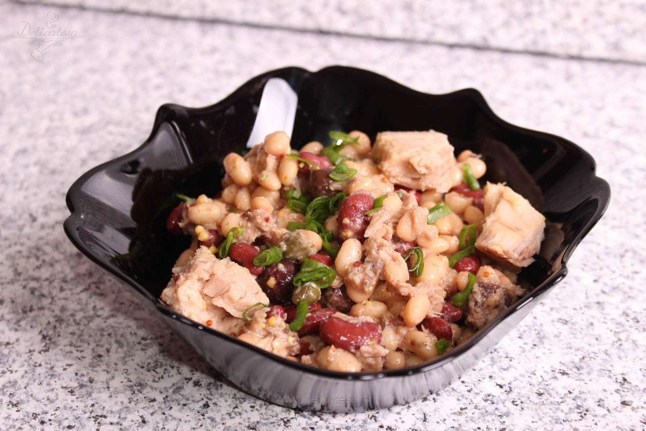 Salată de ton cu fasole