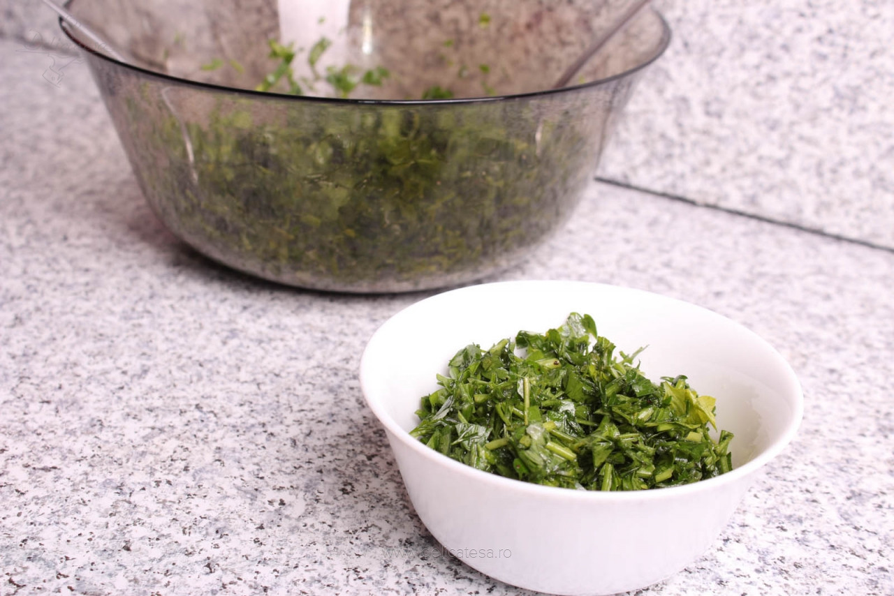 Salată de mărar și pătrunjel