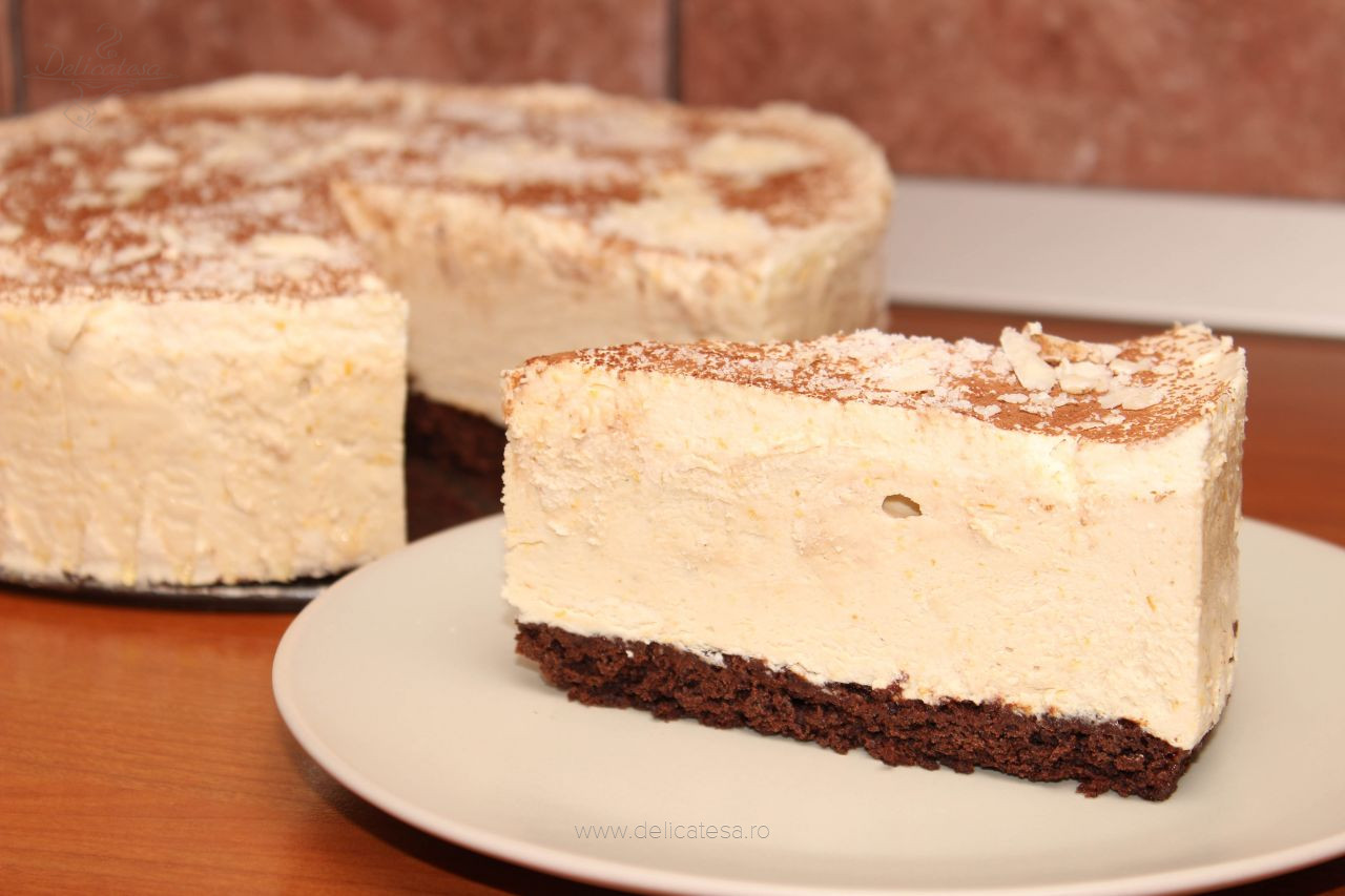 Tort înghețat de ciocolată și cappuccino