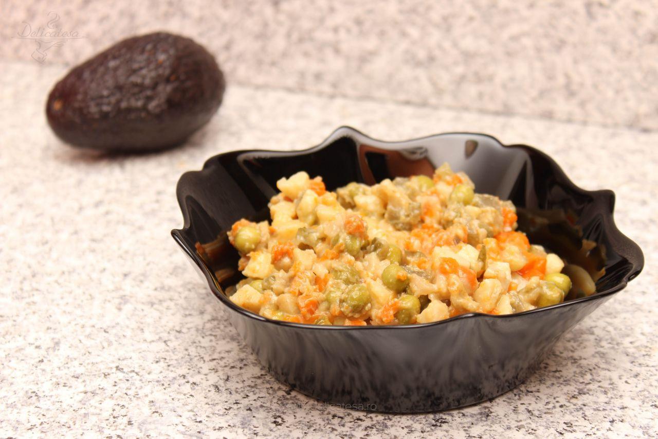 Salată a la russe cu maioneză de avocado