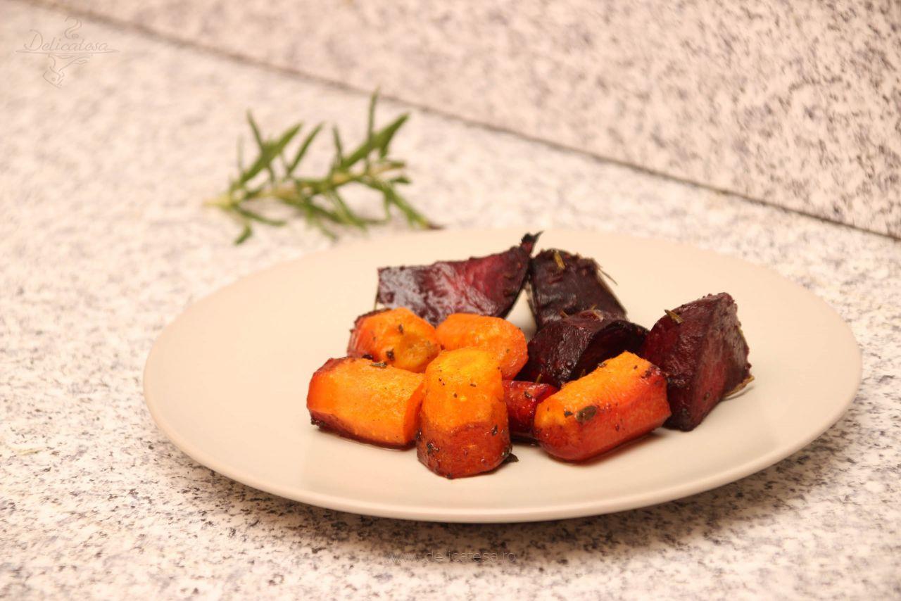 Sfeclă roșie cu morcov la cuptor